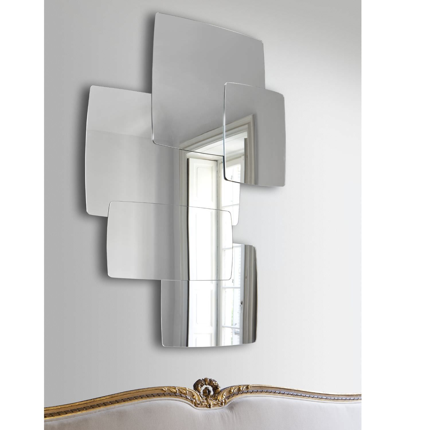 Grand miroir mural 18 id es de d coration int rieure for Miroir mural grand