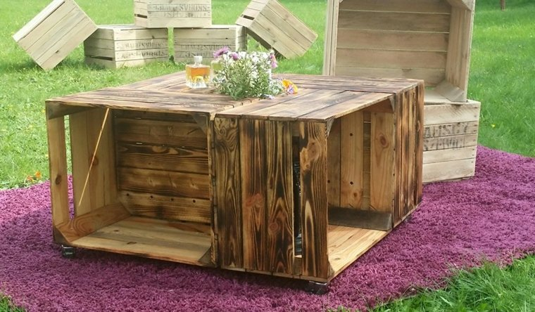 table de salon de jardin en bois