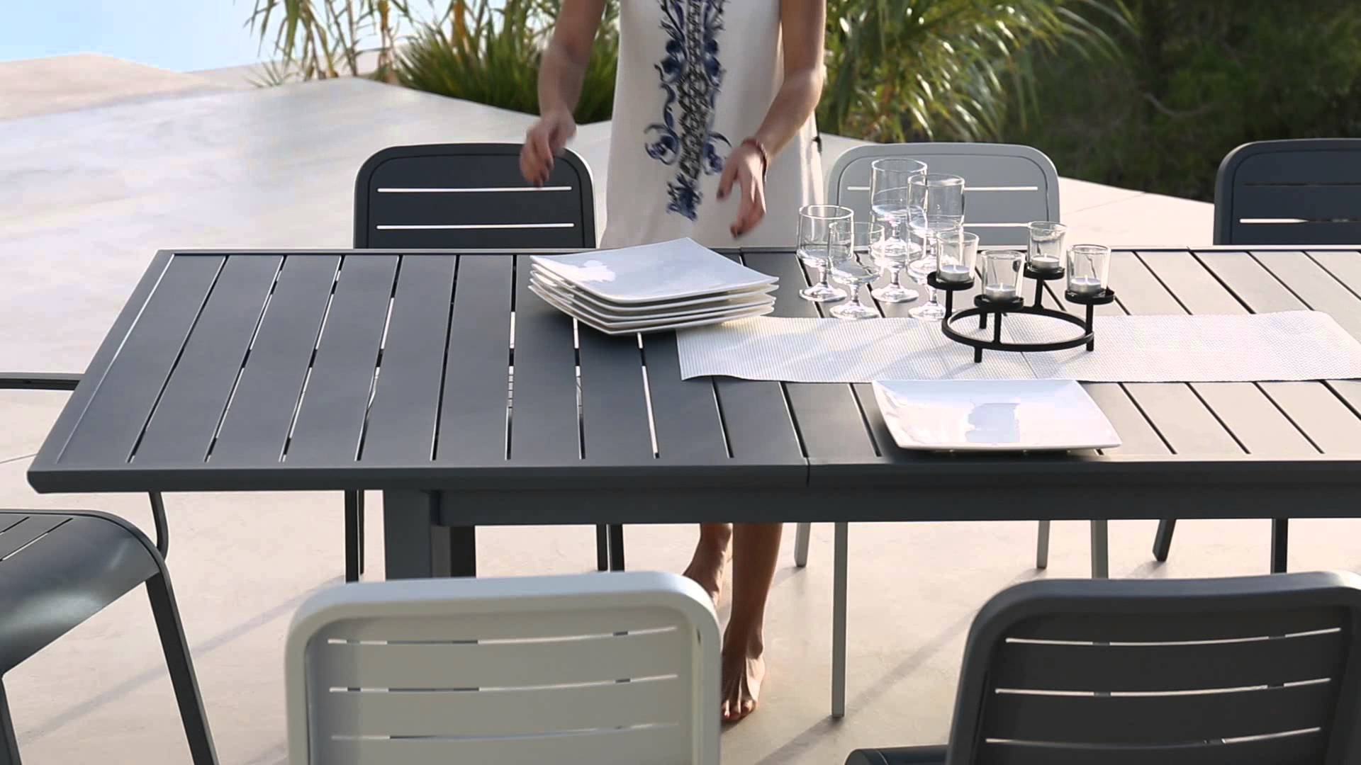 chaise-salon-de-jardin-aluminium-15 Incroyable De Table Jardin Ronde