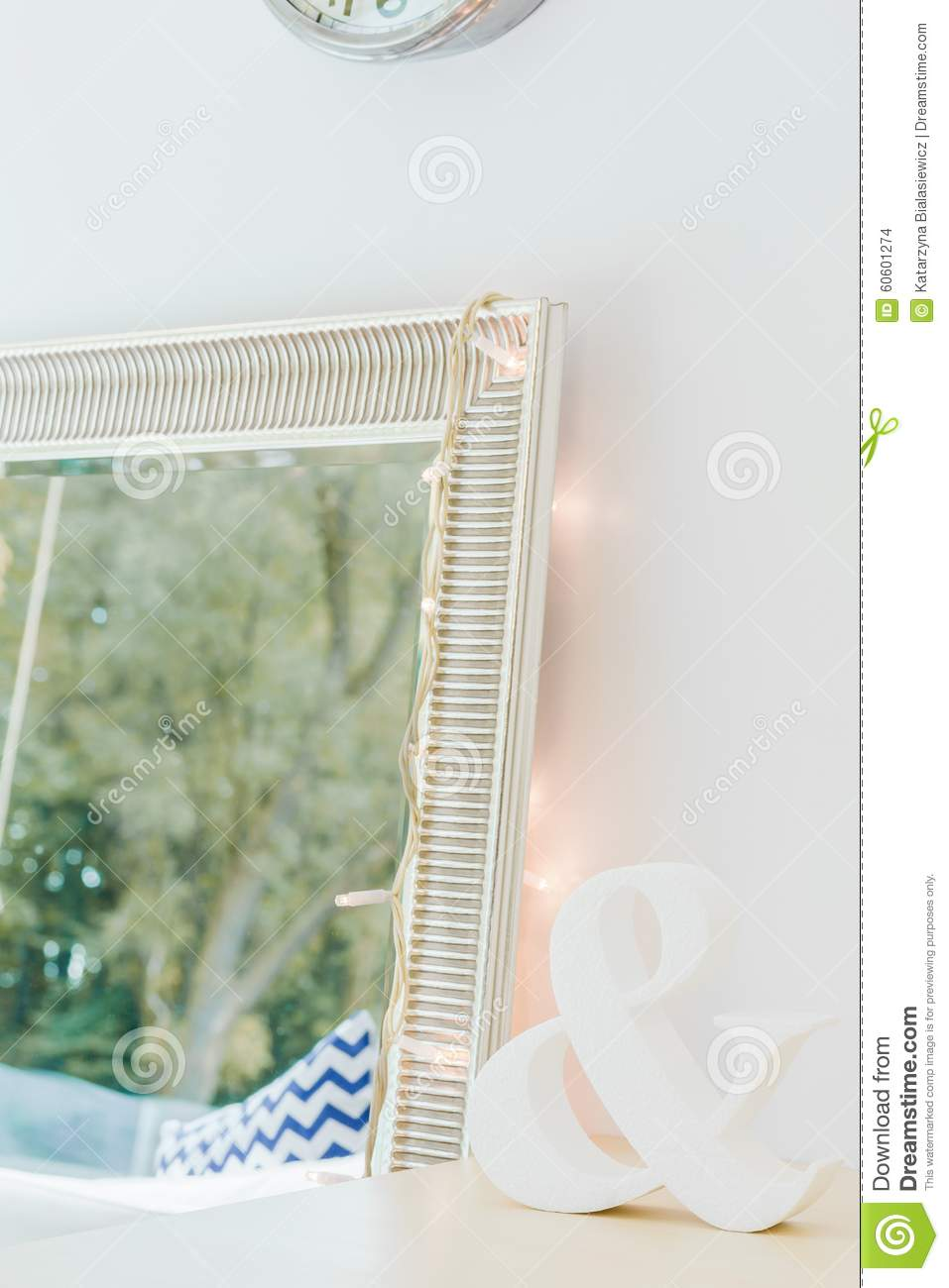 Grand miroir d coratif 6 id es de d coration int rieure for Grand miroir decoratif