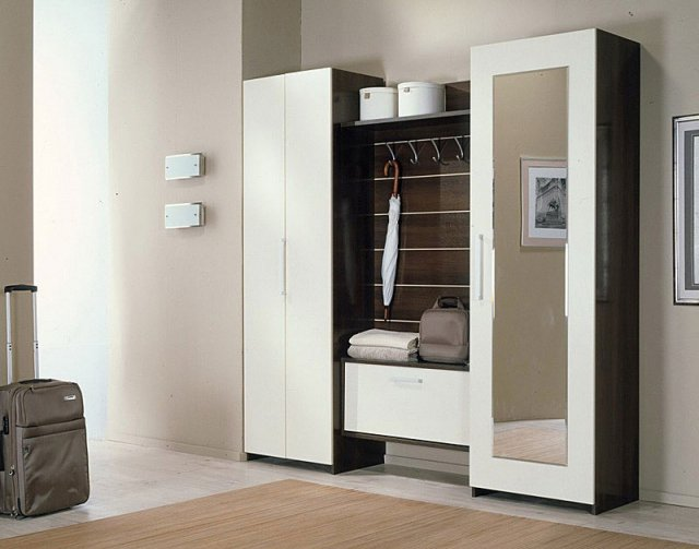 meuble d entr e porte manteau et chaussures ikea 8 id es. Black Bedroom Furniture Sets. Home Design Ideas