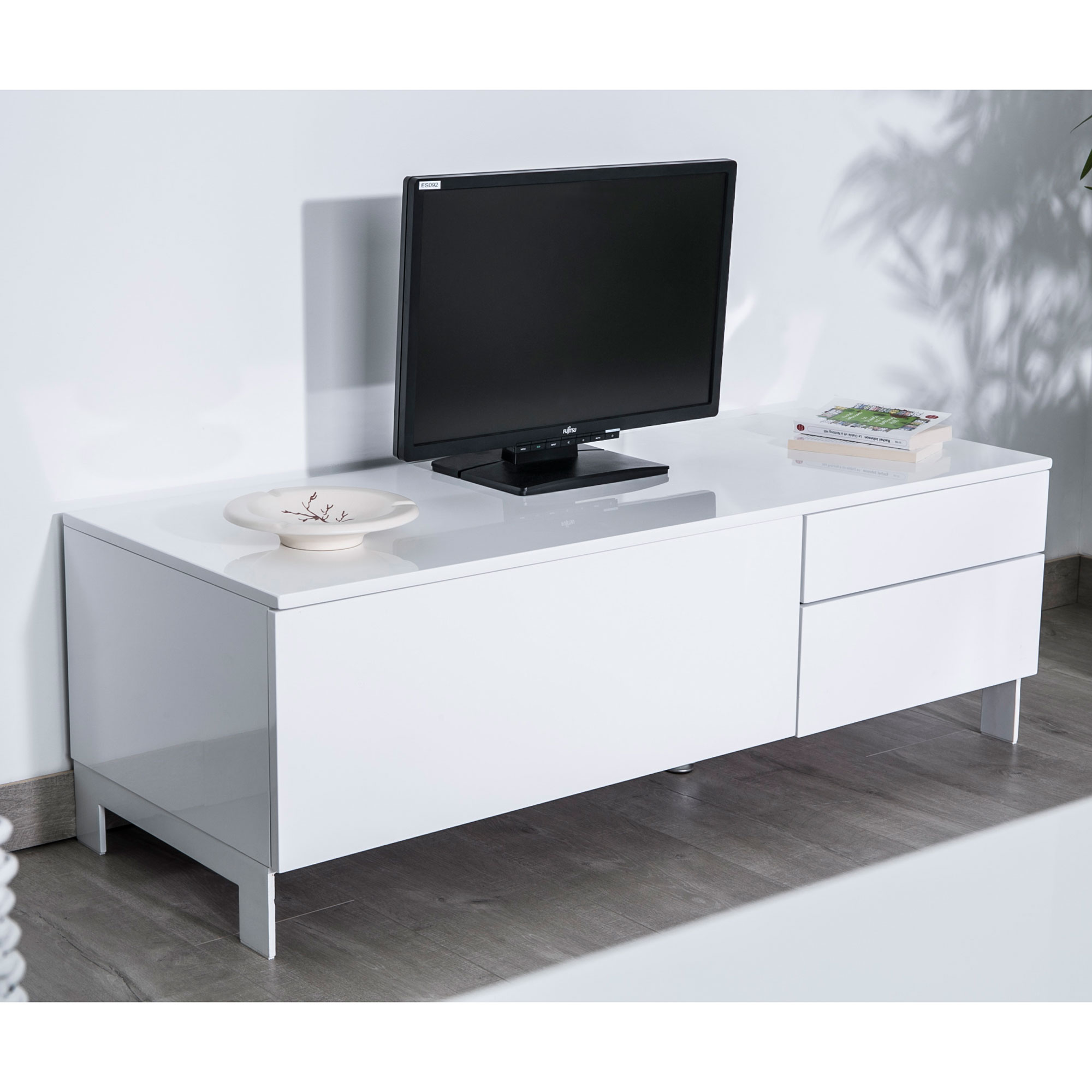 meuble tv bois et blanc laqu id es de d coration. Black Bedroom Furniture Sets. Home Design Ideas