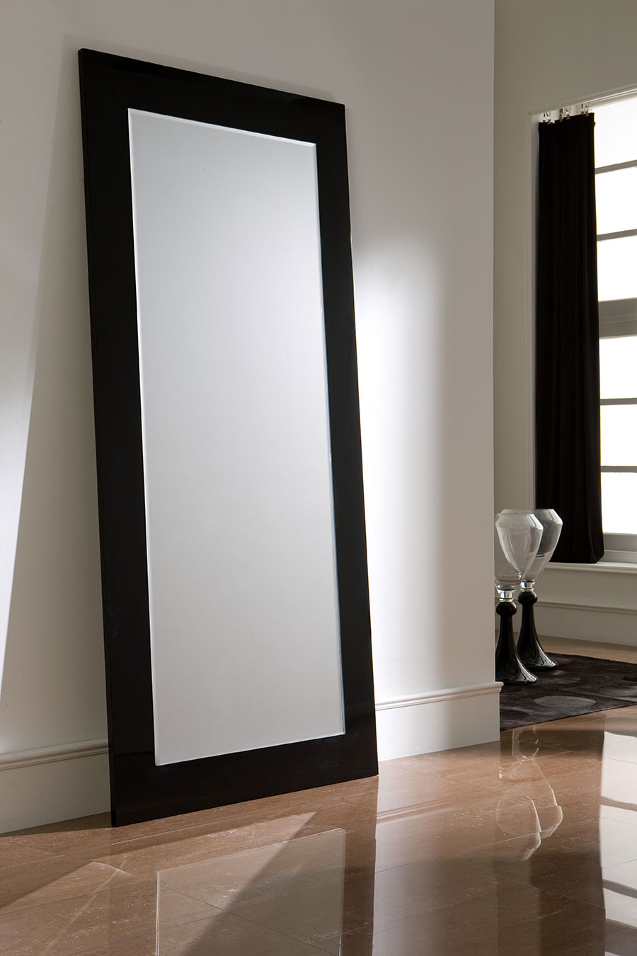 Miroir long blanc id es de d coration int rieure for Des idees de decoration interieure