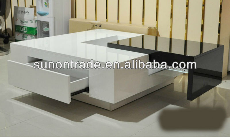 petite table basse carr e 12 id es de d coration. Black Bedroom Furniture Sets. Home Design Ideas