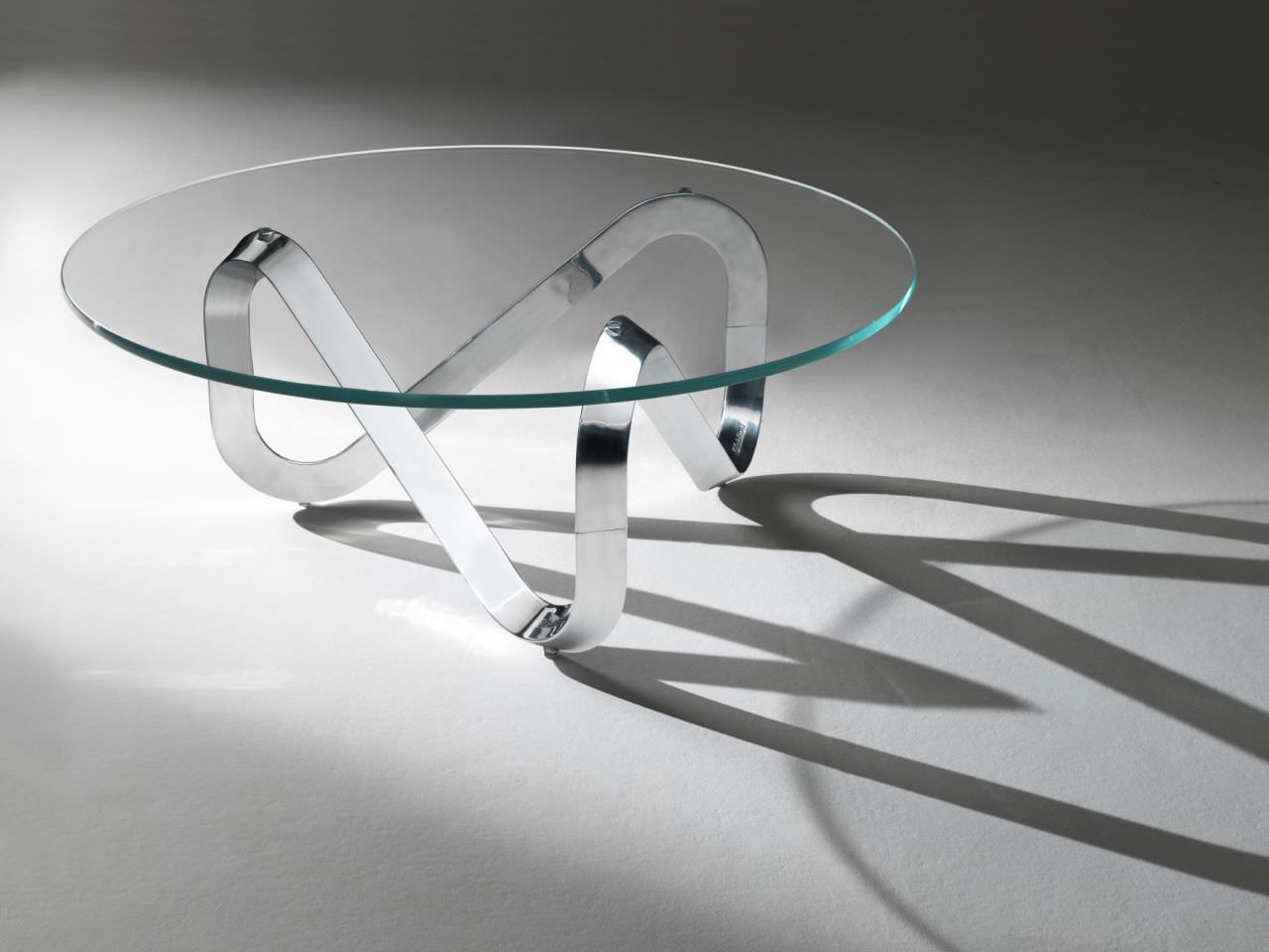 Table basse ronde en verre design id es de d coration for Table basse verre design