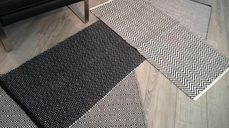 tapis design noir et blanc 15 id es de d coration int rieure french decor. Black Bedroom Furniture Sets. Home Design Ideas