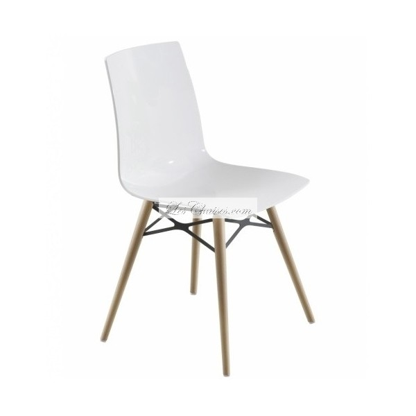 Chaise blanche et bois white side chair with elm wood for Chaise blanche et bois