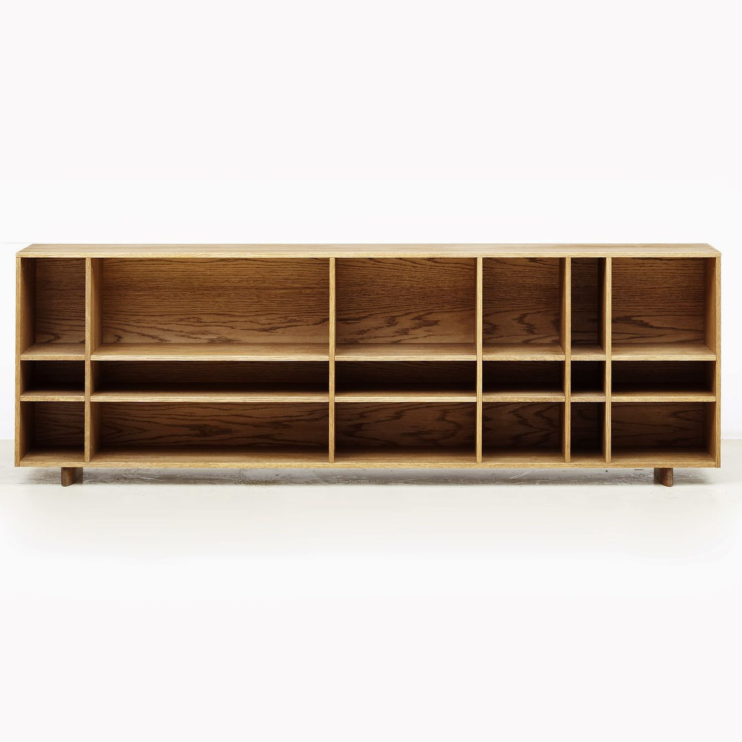 etagere bibliotheque basse 12 id es de d coration. Black Bedroom Furniture Sets. Home Design Ideas