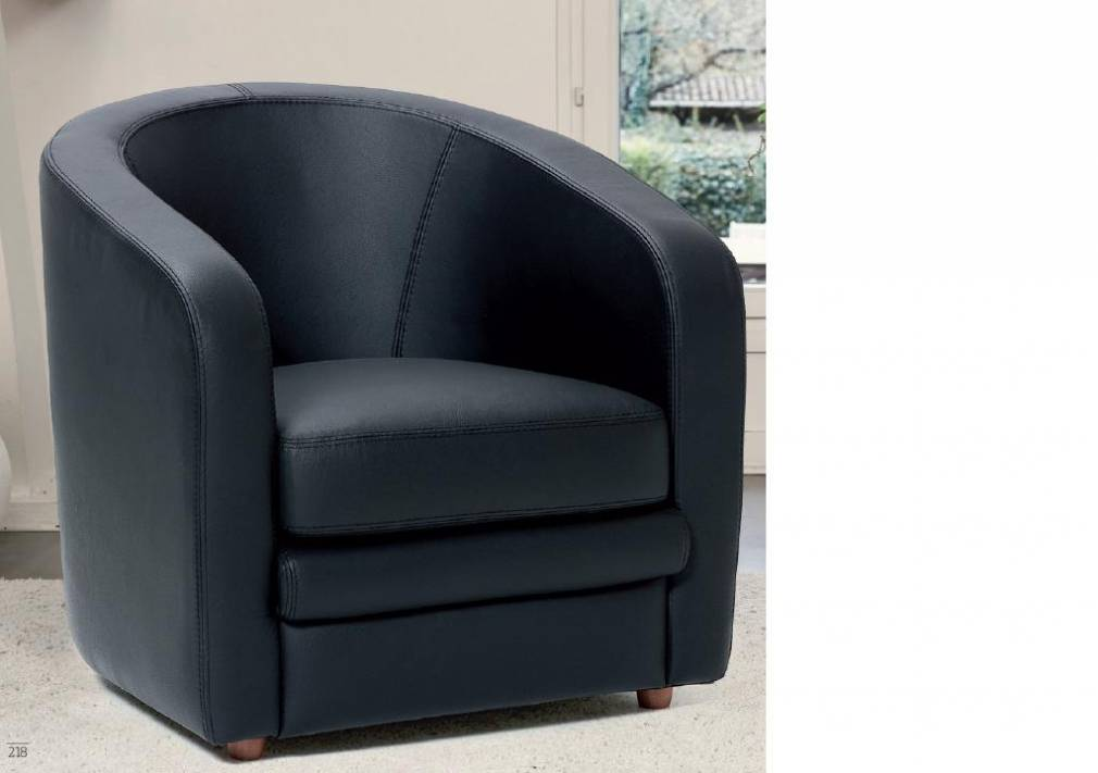 fauteuil club en tissu 3 id es de d coration int rieure french decor. Black Bedroom Furniture Sets. Home Design Ideas