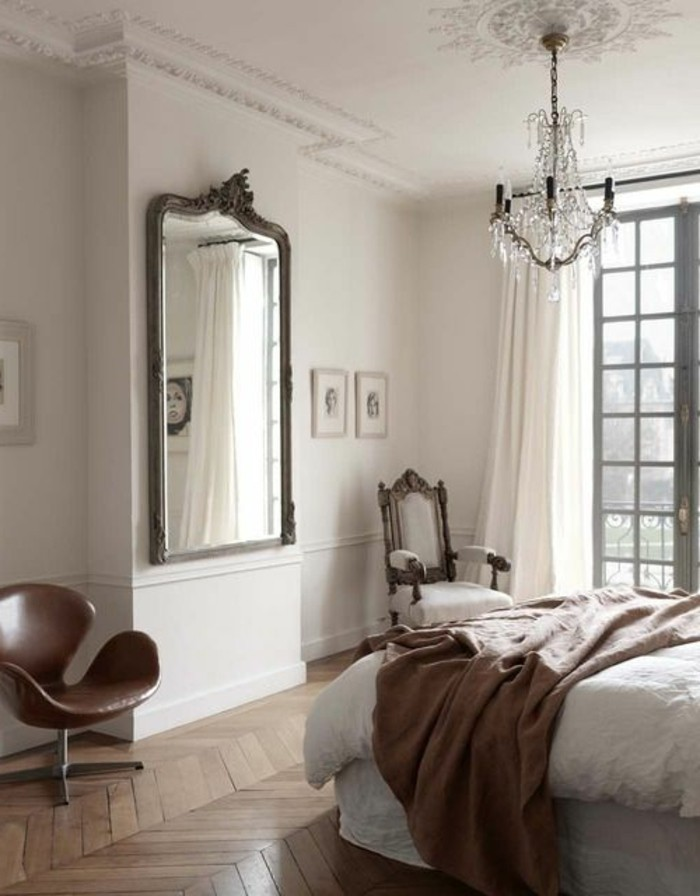 grand miroir pour chambre 6 id es de d coration. Black Bedroom Furniture Sets. Home Design Ideas