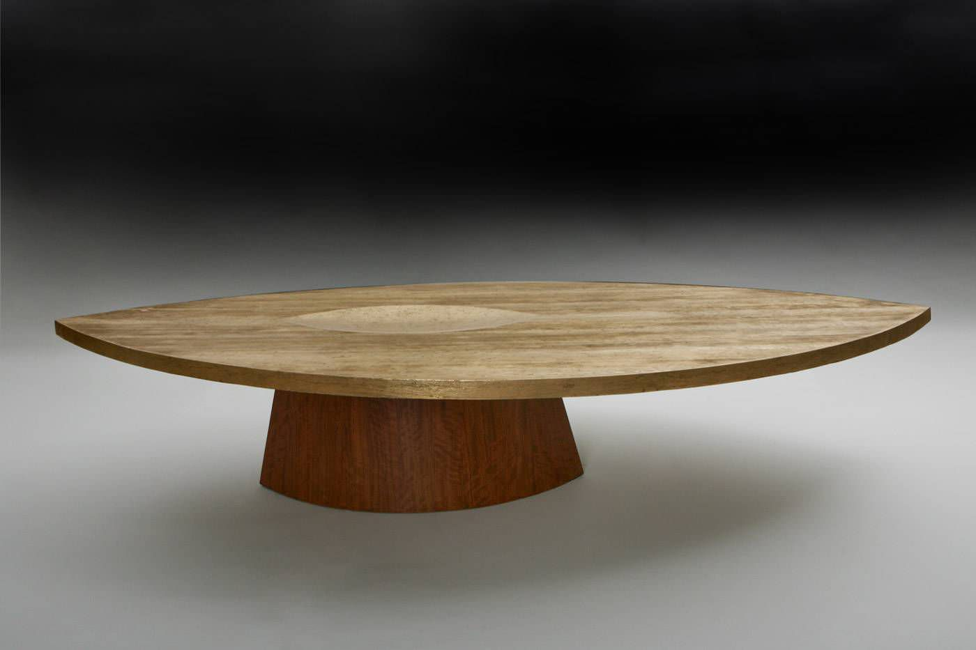 Table basse ronde en bois massif id es de d coration for Table ronde bois massif