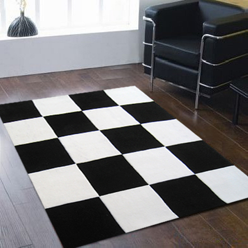 tapis ray noir et blanc 13 id es de d coration. Black Bedroom Furniture Sets. Home Design Ideas