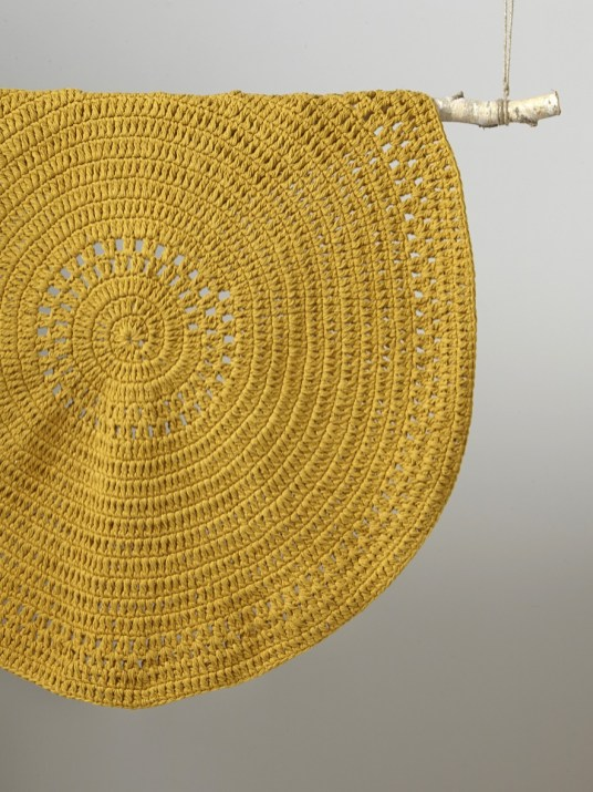 Tapis Rond Jaune Moutarde Idees De Decoration Interieure French