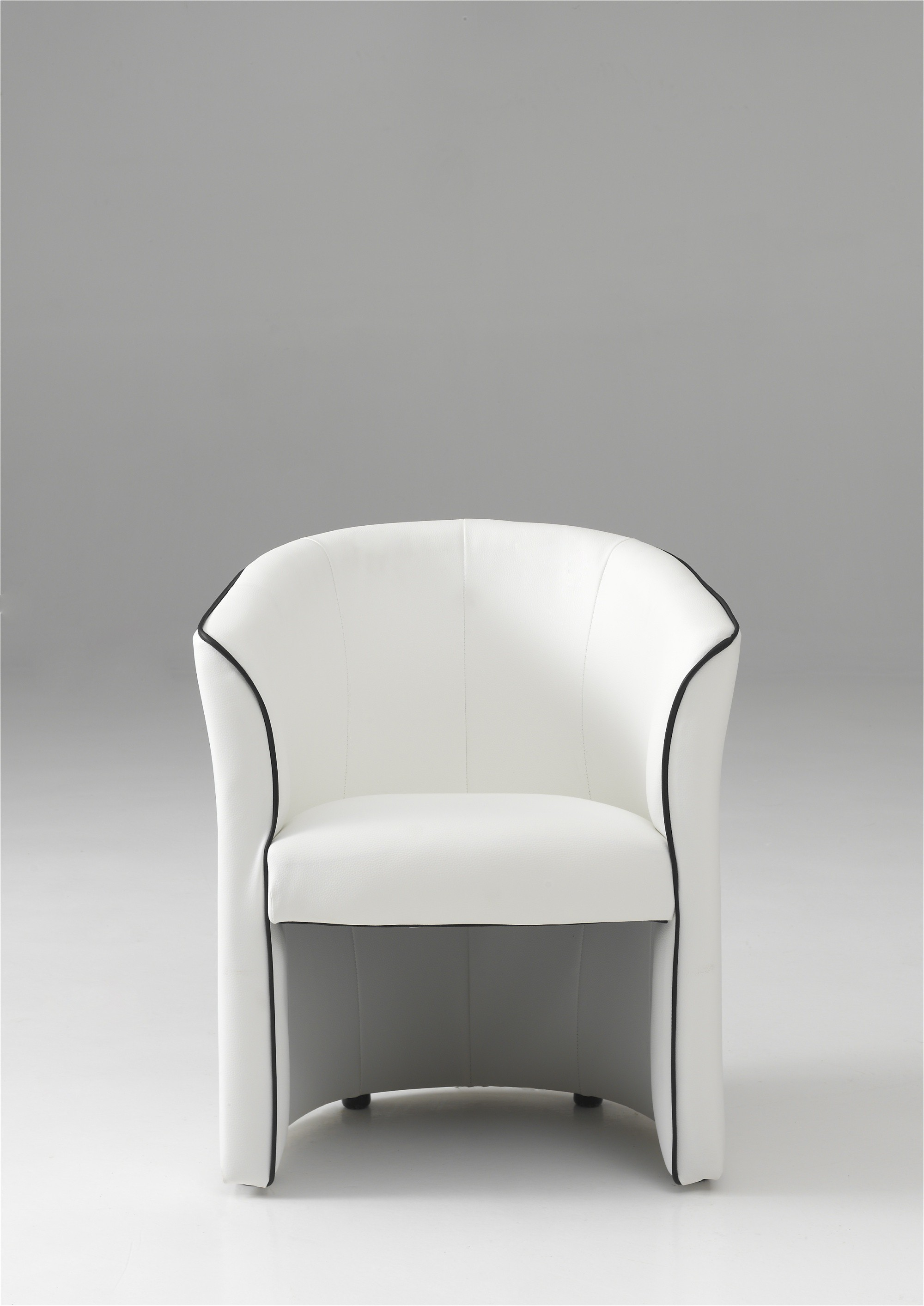 fauteuil blanc moderne id es de d coration int rieure french decor. Black Bedroom Furniture Sets. Home Design Ideas