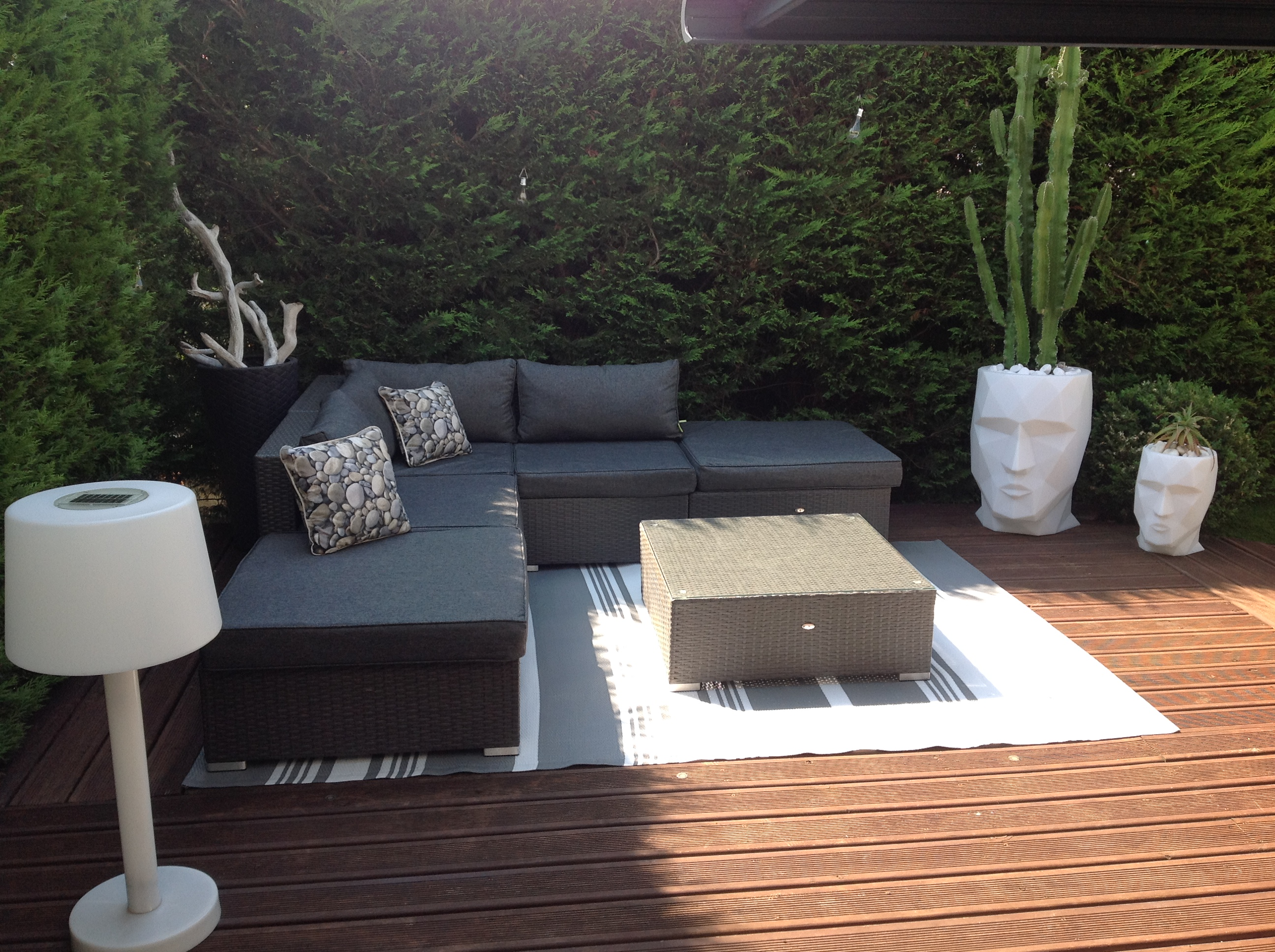 salon de jardin terrasse id es de d coration int rieure. Black Bedroom Furniture Sets. Home Design Ideas