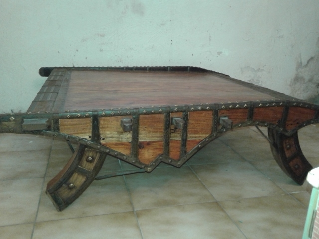 Table Basse Indienne Idees De Decoration Interieure French Decor