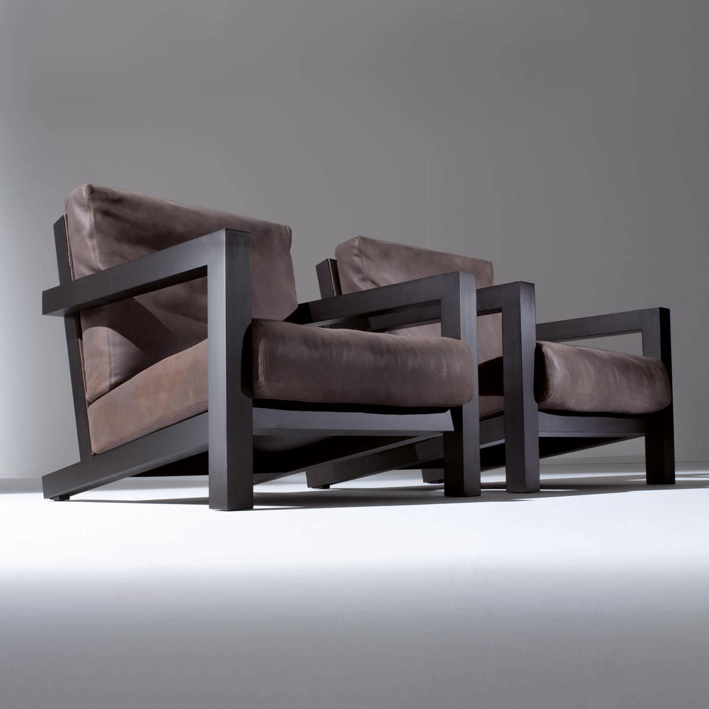 fauteuil cuir bois design id es de d coration int rieure french decor. Black Bedroom Furniture Sets. Home Design Ideas