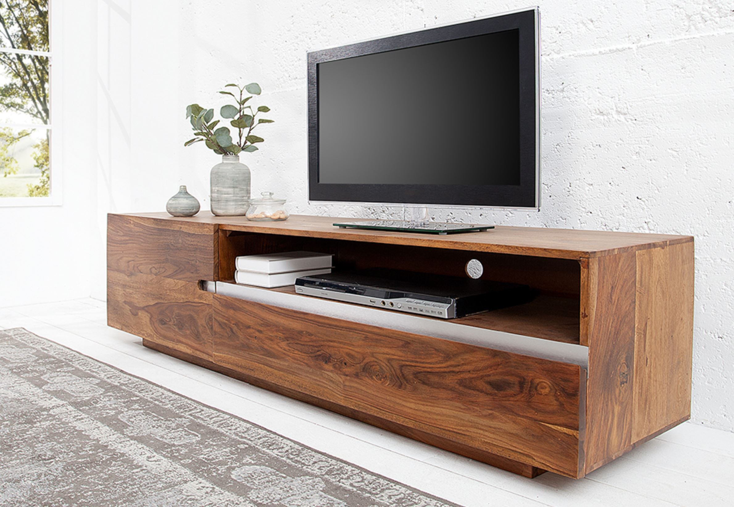 Meuble tv en bois design id es de d coration int rieure french decor for Meuble tv deco