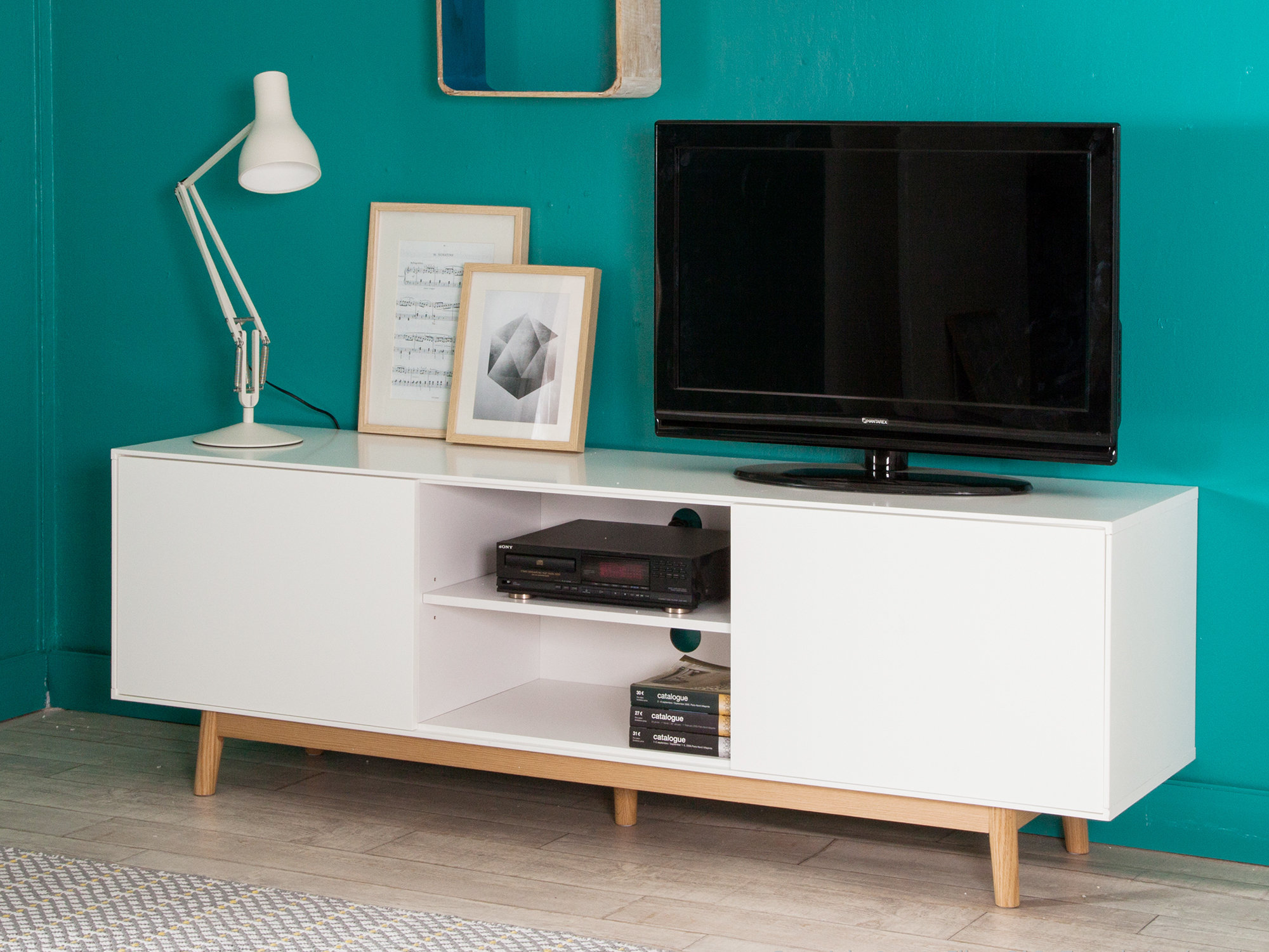 meuble tv blanc pied bois id es de d coration int rieure french decor. Black Bedroom Furniture Sets. Home Design Ideas