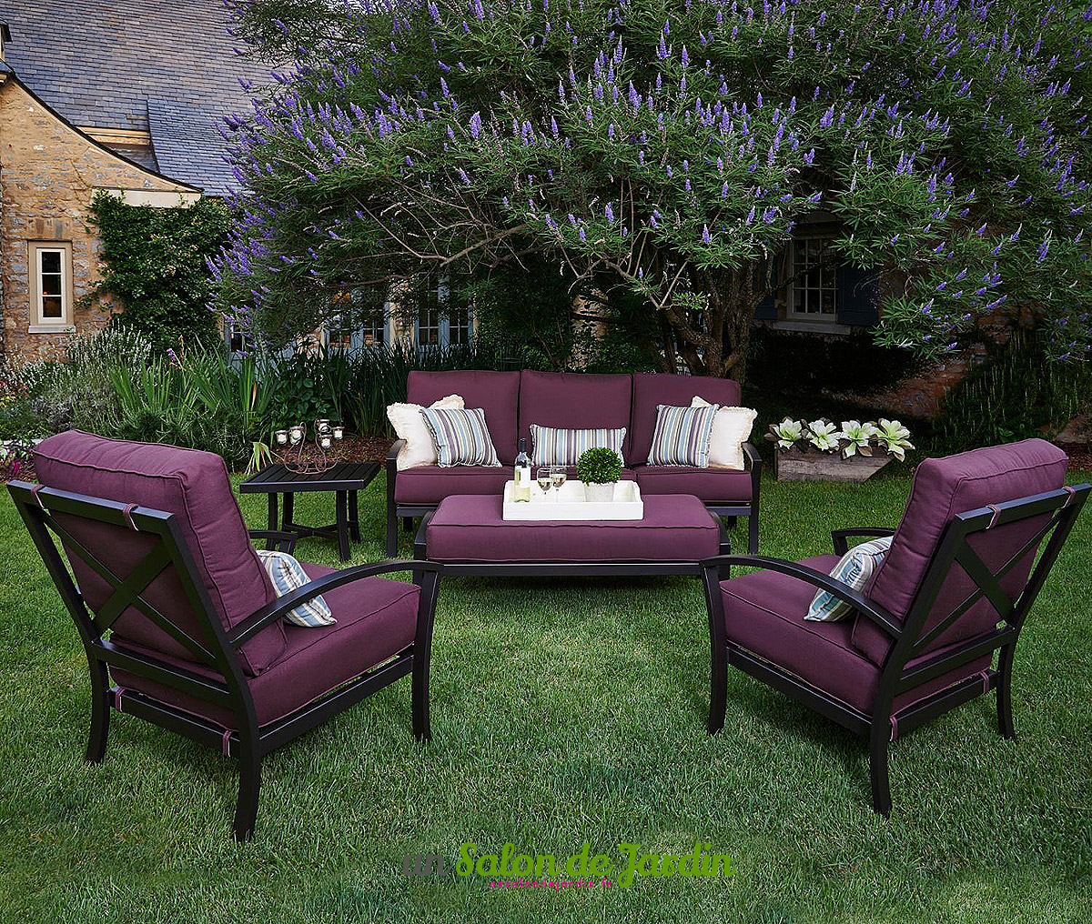 salon de jardin en fer forg id es de d coration. Black Bedroom Furniture Sets. Home Design Ideas
