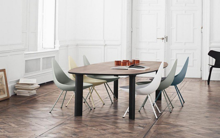 Emejing Table Ancienne Et Chaises Modernes Gallery - House Design ...